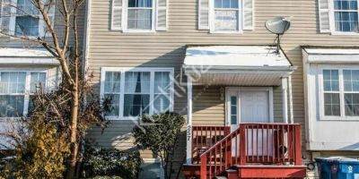 3 Bedroom Townhome/Finished Basement For Rent $800/Rm -- Available Now